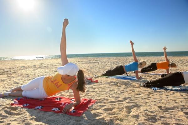 exercise_beach